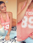 COLLEGE T SHIRT & JEANS