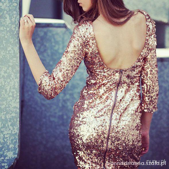 cekinowa sukienka...