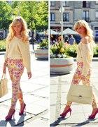 Pastel floral pants...