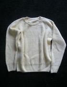 sweterek w ciekawym kolorze