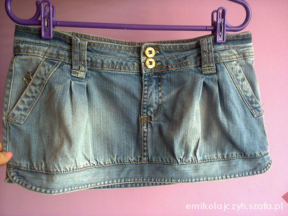 Spódnice Krótka jeansowa spódniczka Bershka rozm40