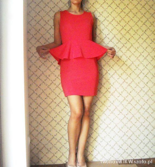 Wieczorowe Jaki naszyjnik do takiego koloru sukienki