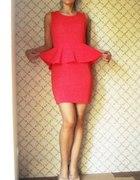 Jaki naszyjnik do takiego koloru sukienki...