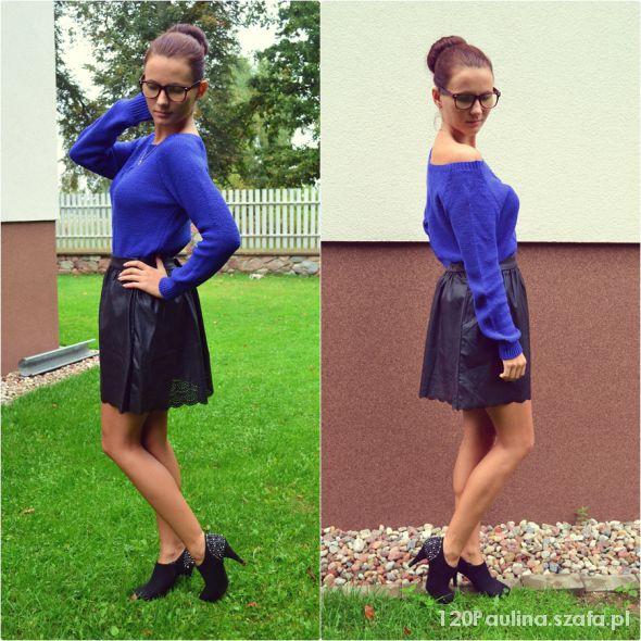 Eleganckie sweterek i skórzana spódniczka