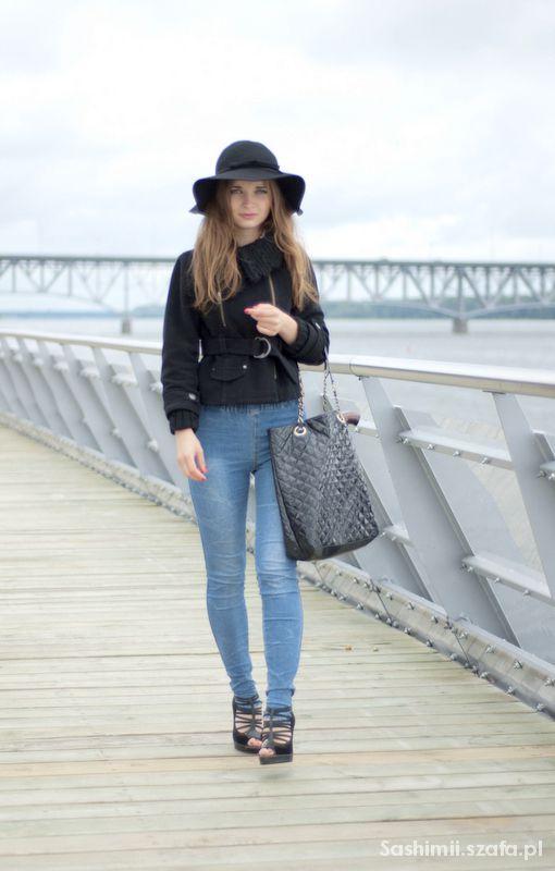 Eleganckie elegancka i modna stylizacja