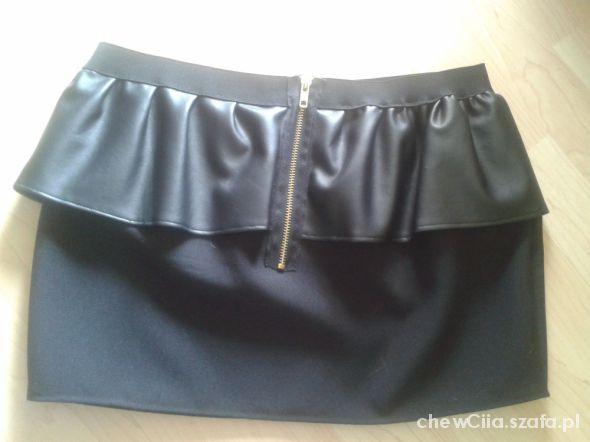 Spódnice z baskinką spódnica