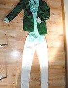 zielona marynarka białe rurki