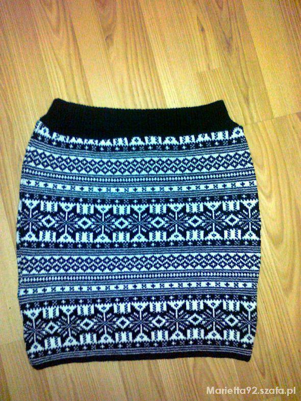 Spódnice Ciepła spódnica we wzory norweskie