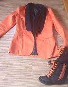 Pomarańczowa marynarka