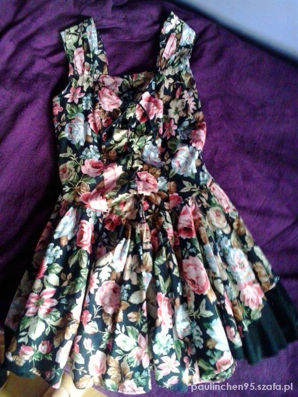 Sukienka rozkloszowana wiązana z przodu w kwiaty M