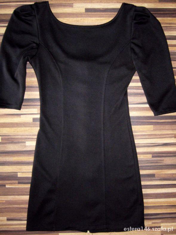 Sukienka z wycięciem na plecach Suwak