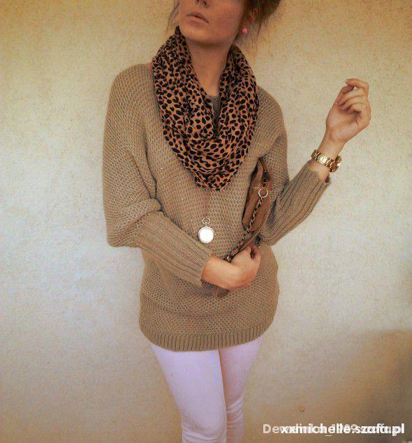 jasnobrązowy sweter złota nić