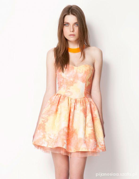 Pomarańczowa sukienka Bershka...