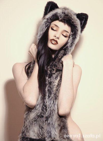 czapka wilk z uszkami...