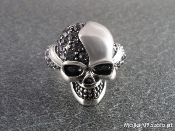 Biżuteria Pierścionek czaszka