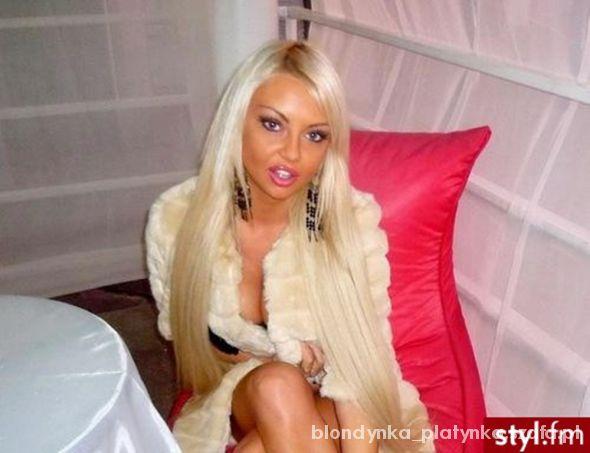 Blondynka w pięknym makijażu
