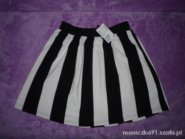 Spódnice rozkloszowana spódnica H&M