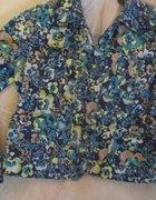 Jeansowa kurtka w kwiatki