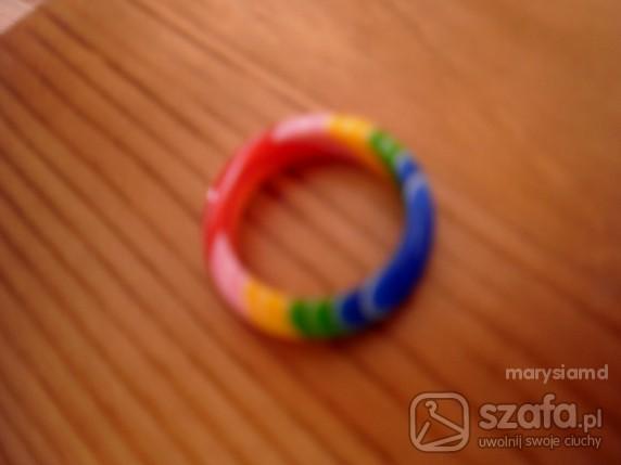 Tęczowy pierścionek Bijou Brigitte