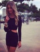 sukienka z wycięciami XS S