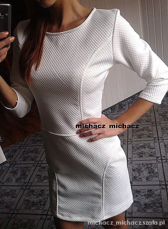 sukienka biala pikowana