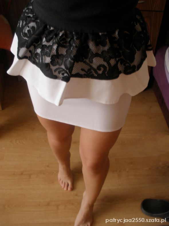 Spódnice biała baskinka koronka