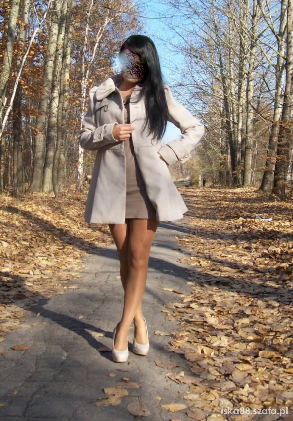 Rozkloszowany płaszcz Amisu