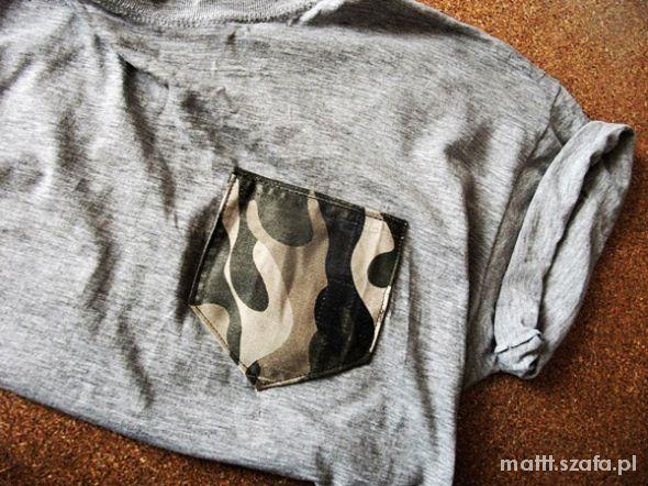koszulka Moro z kieszonką t shirt PISZ