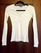 Bluzeczka obcisła C&A XS biała guziczki