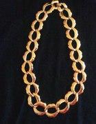 Złoty naszyjnik łańcuch pancerka usta