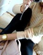 PUDROWY sweterek PUSZEK ze złotą koronką NOWY HIT