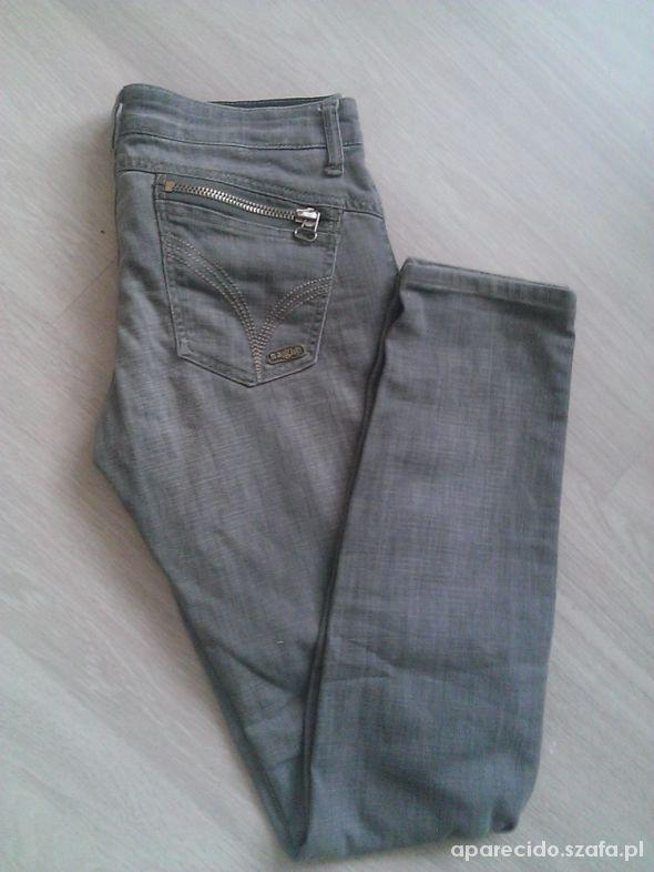 bdedd4a4 szare jeansy z zamkami cropp w Spodnie - Szafa.pl