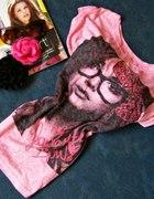 Różowy Tshirt Twarz kobiety r M
