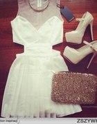 biała wycięta sukienka