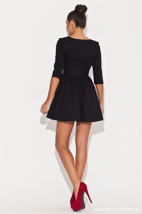 Czarna rozkloszowana sukienka XS...