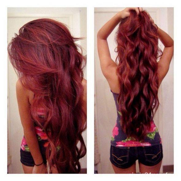 mega czerwone długie włosy