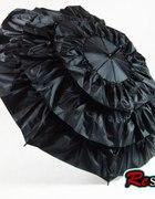 parasolka z falbanami...