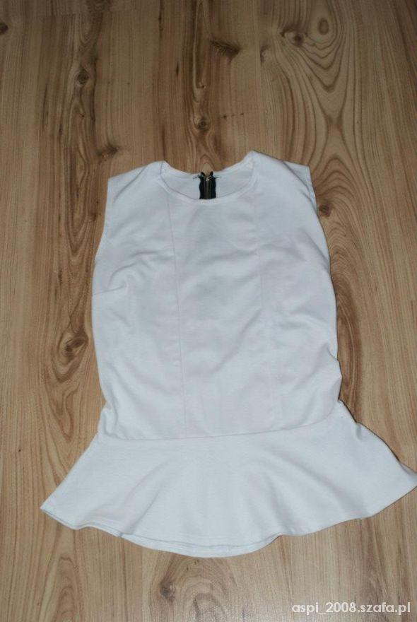Bluzki biała bluzka z baskinka