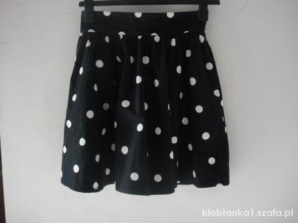 Spódnice modowa spódnica