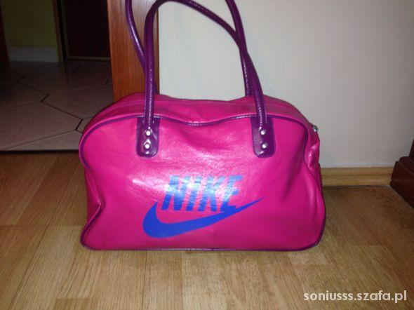 b5a459e0516f4 Różowa Torba Nike Air w Torebki na co dzień - Szafa.pl