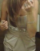 Beżowa sukienka