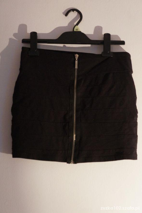 Spódnice czarna spódniczka h&m zamek zip