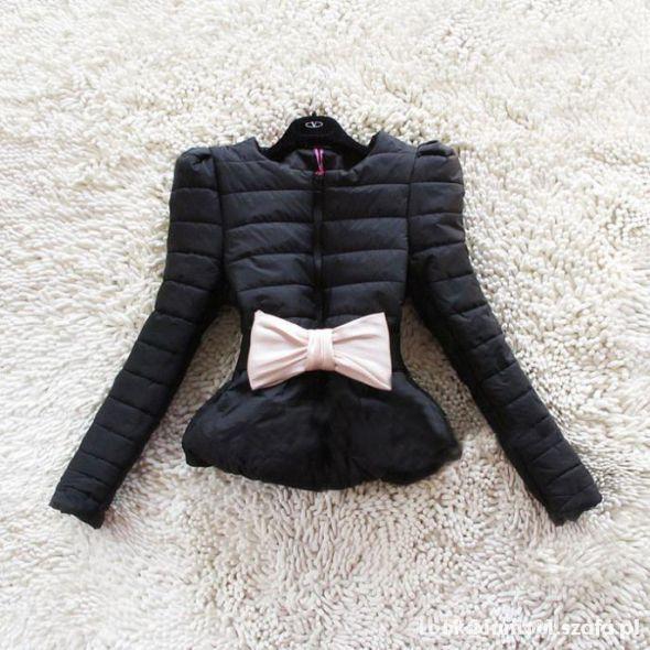 Pikowana kurtka z kokardą S