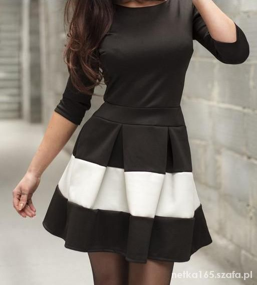 0d0518118144 Siwiec rozkloszowana sukienka pasy biało czarna w Suknie i sukienki .