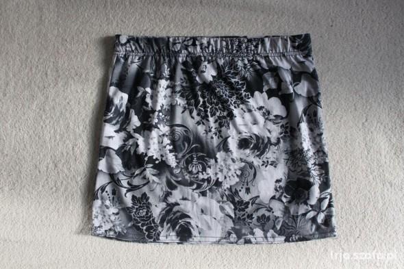 Spódnice Spódnica mini w kwiaty Atmosphere S