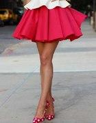 Rozkloszowana spódniczka czerwona lub nude M