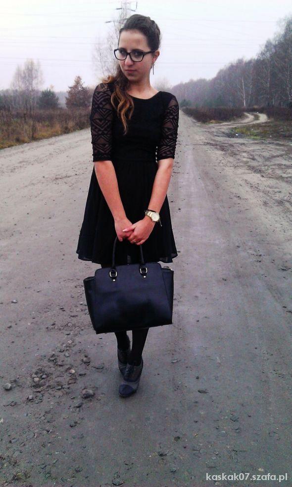 Blogerek Czarna sukienka H&M