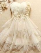 przepiekna sukienka na balstudniowke