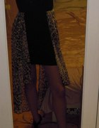 Sukienka bandażowa z motywem panterki