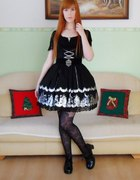 Black laced swan...